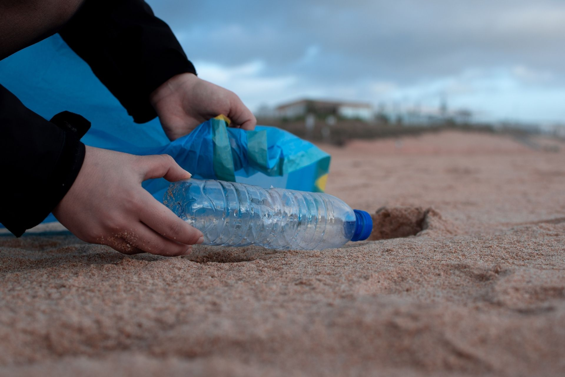 Camerooned? Turn your plastic bottle into a boat!